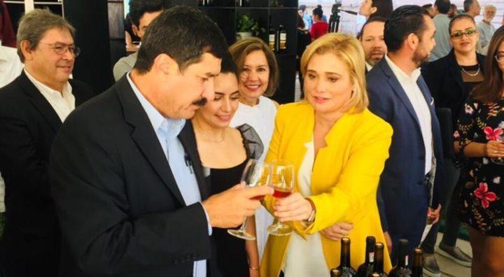 Chihuahua 2021: mucho chichisbeo, nula política