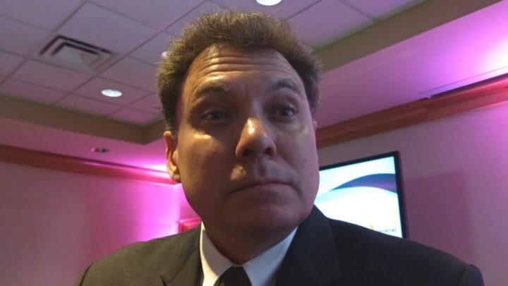 Pablo González, presidente del TSJ, pequeño para el cargo