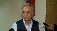 Eduardo Fernández se sostiene con el apoyo del déspota Corral