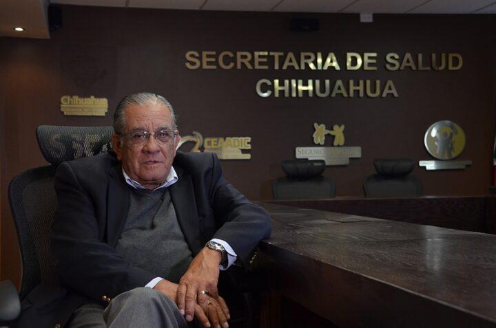 El nada extraño retorno del doctor Ávila: ¡Cuídenle las manos, se deja llevar!