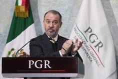 Raúl Cervantes: solapa a Duarte e impedido para ser fiscal